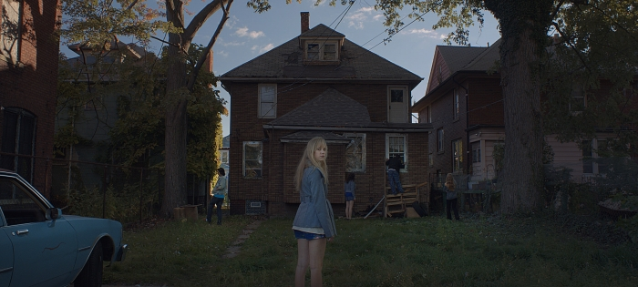 It Follows_2